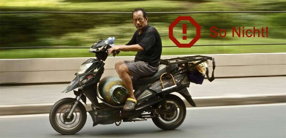 Motorrad ohne Schutzkleidung